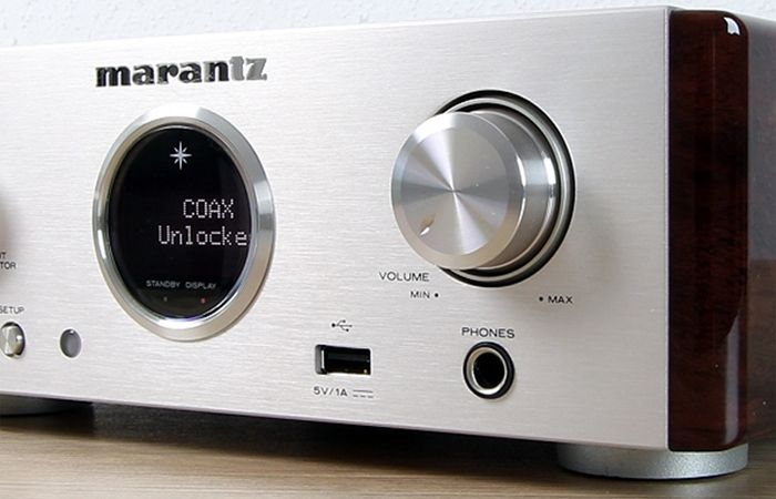 Marantz Bullaugen-Display